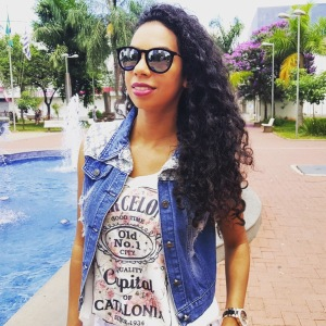 Look do dia Saia jeans branca!