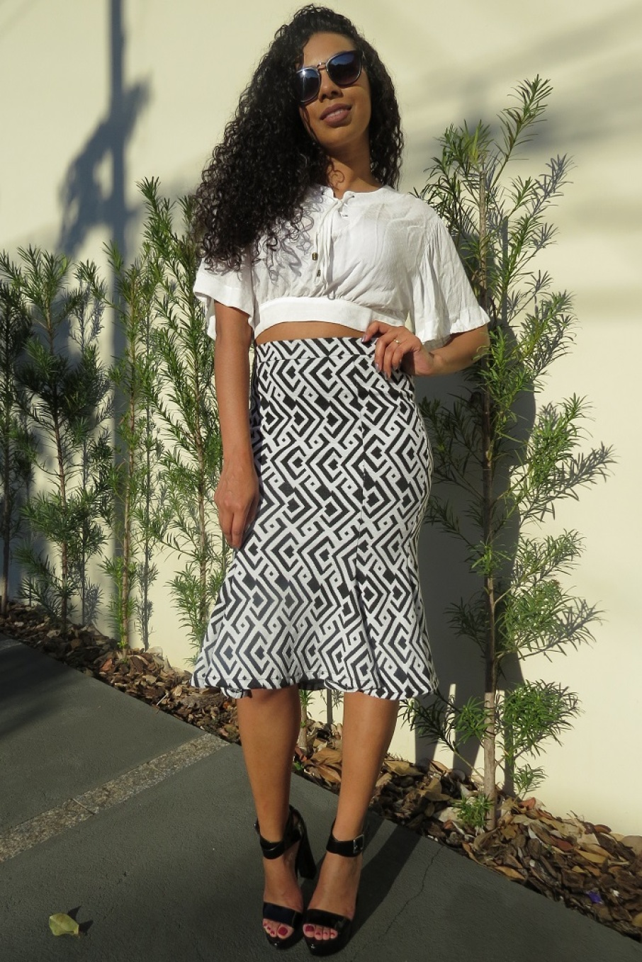 LOOK DO DIA SAIA MIDI COM CROPPED!